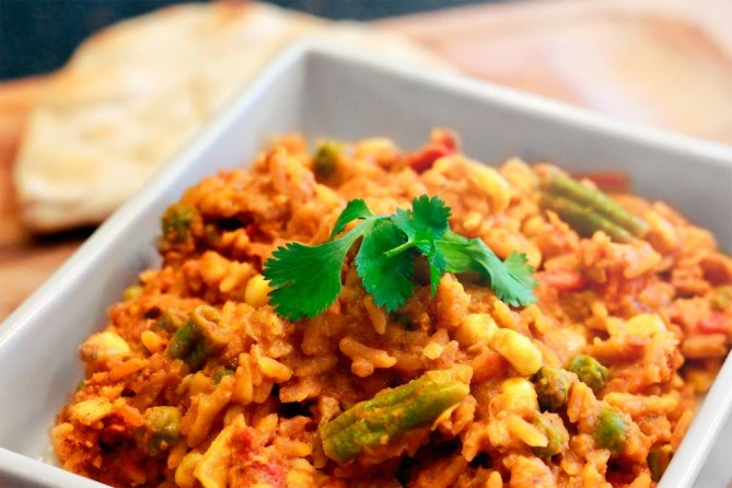 Fuel Your Preparation Vegetable Chipotle Chilli with Rice (6 tins)